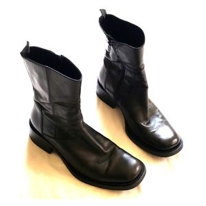 Barneys of New York soft leather boots